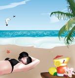 Muchacha en la playa con el sombrero Imagenes de archivo