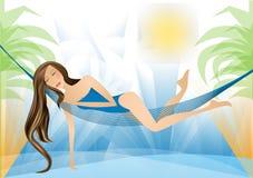 Muchacha en la playa con la palma, días de fiesta Imágenes de archivo libres de regalías
