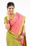 Muchacha en la sari de seda Imágenes de archivo libres de regalías