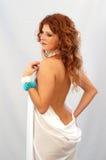 Muchacha en la toga blanca Imágenes de archivo libres de regalías