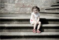 Muchacha en las escaleras Fotos de archivo libres de regalías