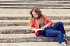 Muchacha en las escaleras Imágenes de archivo libres de regalías