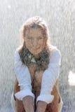 Muchacha en lluvia Imágenes de archivo libres de regalías