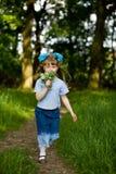 Muchacha en parque del verano Foto de archivo libre de regalías