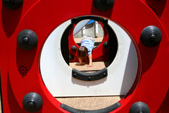 Muchacha en patio Imagen de archivo libre de regalías