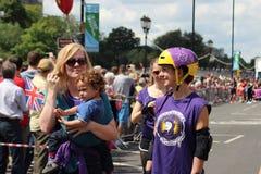 Muchacha en rollerblades en carnaval Imágenes de archivo libres de regalías