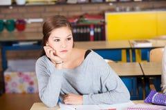 Muchacha en sala de clase Fotografía de archivo
