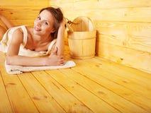 Muchacha en sauna. Imágenes de archivo libres de regalías