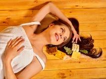 Muchacha en sauna Foto de archivo libre de regalías