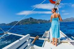Muchacha en un barco Foto de archivo