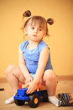 Muchacha en un coche Fotografía de archivo libre de regalías