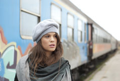 Muchacha en un ferrocarril Foto de archivo libre de regalías