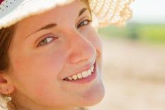 Muchacha en un sombrero Fotografía de archivo libre de regalías