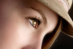 Muchacha en un sombrero Fotos de archivo libres de regalías