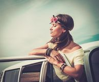 Muchacha en un viaje por carretera Imágenes de archivo libres de regalías