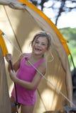 Muchacha en vacaciones que acampan Fotos de archivo libres de regalías