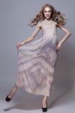 Muchacha en vestido largo foto de archivo libre de regalías