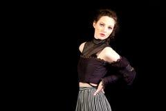 Muchacha en vestido victoriano oscuro imagen de archivo libre de regalías