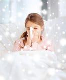 Muchacha enferma con el tejido de papel Imágenes de archivo libres de regalías