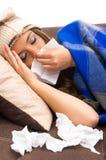 Muchacha enferma joven hermosa con un frío Foto de archivo