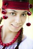 Muchacha eslava en el prado verde. Fotos de archivo libres de regalías