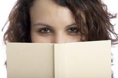 Muchacha feliz con el libro Imagen de archivo libre de regalías