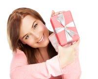 Muchacha feliz con el regalo Imagenes de archivo
