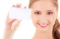 Muchacha feliz con la tarjeta de visita Fotografía de archivo libre de regalías