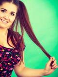 Muchacha feliz del adolescente con las colas de caballo Imágenes de archivo libres de regalías