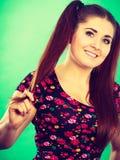 Muchacha feliz del adolescente con las colas de caballo Fotografía de archivo libre de regalías