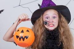 Muchacha feliz en el partido de Halloween Foto de archivo libre de regalías