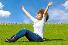 Muchacha feliz en el sol Fotografía de archivo libre de regalías