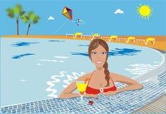 Muchacha feliz en una piscina Imágenes de archivo libres de regalías