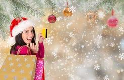 Muchacha feliz hermosa Compras de la Navidad, idea para su diseño foto de archivo