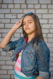 Muchacha feliz Muchacha de moda del adolescente Fotos de archivo
