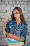 Muchacha feliz Muchacha de moda del adolescente Imagen de archivo libre de regalías