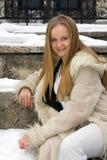Muchacha frecked rubia en abrigo de pieles Fotos de archivo