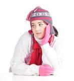 Muchacha gorda en sombrero y manoplas del invierno Imagenes de archivo