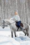 Muchacha hermosa con el caballo Imagen de archivo