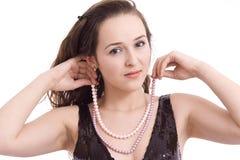 Muchacha hermosa con el collar Imagen de archivo libre de regalías