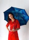 Muchacha hermosa con el paraguas fotos de archivo