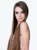 Muchacha hermosa con el pelo recto largo Fotografía de archivo