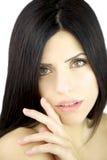 Muchacha hermosa con el retrato del pelo negro Foto de archivo libre de regalías