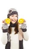 Muchacha hermosa con la naranja. Fotografía de archivo libre de regalías