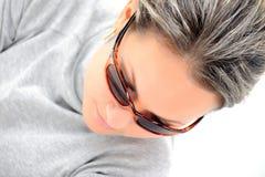 Muchacha hermosa con las gafas de sol Fotos de archivo libres de regalías