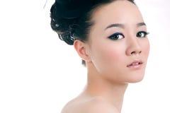 Muchacha hermosa con maquillaje perfecto Fotografía de archivo libre de regalías
