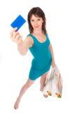 Muchacha hermosa con un de la tarjeta de crédito. Imagen de archivo libre de regalías