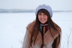 Muchacha hermosa de los retratos del invierno Foto de archivo