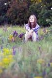Muchacha hermosa en el prado Fotografía de archivo libre de regalías