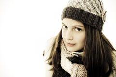 Muchacha hermosa en estilo del invierno. Imagenes de archivo